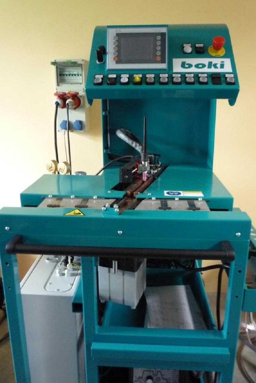 Установка для сращивания штрипса TIG сваркой на формирующей подкладке